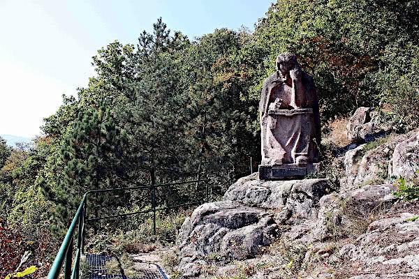 Albert Schweitzer Statue auf dem Kanzrain