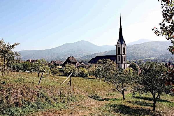 Ansicht von Gunsbach mit der Pfarrkirche