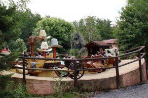 Ein Dreh-Karussel im Freizeitpark Fraispertuis City