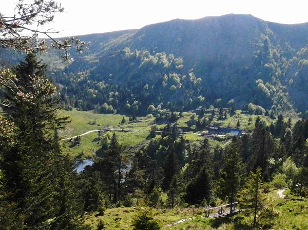 Von halber Höhe Blick auf den Lac des Truites.