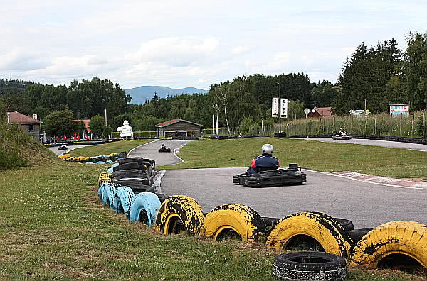 A Go-Kart after taking a curve. Manacha Kart.