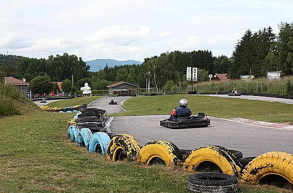A Go-Kart after taking a curve. Manacha Kart.